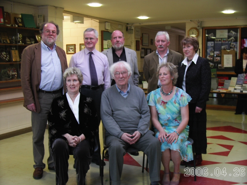 Strokestown-Poetry-Festival-Committee-with-Seamus-Heaney-2006